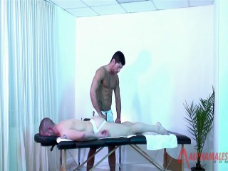 Athletic Daddy Massage